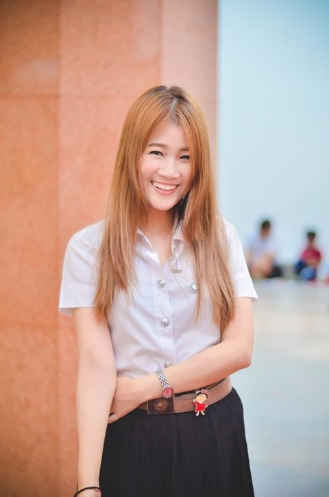 Happy Thai Girl looking for a Husband