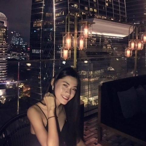 Thai Girl And Bangkok Sky Bar